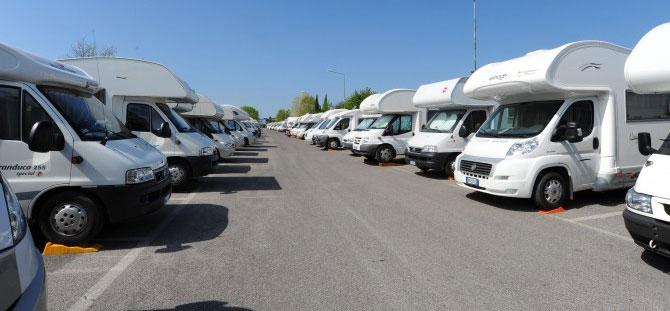 camper_raduno